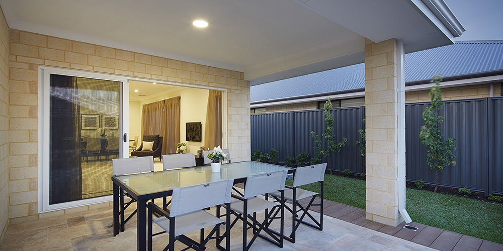 B1 Homes_The Birrie - family alfresco area