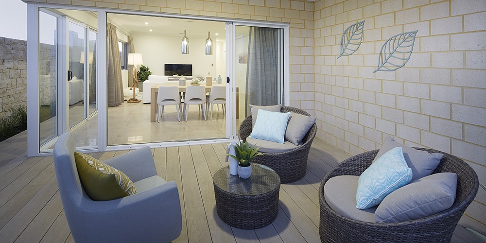 B1 Homes_The Broadway - family outdoor alfresco area