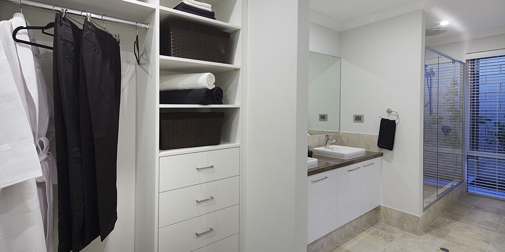 B1 Homes_The Meuse Display Home - private dressing room off master bedroom